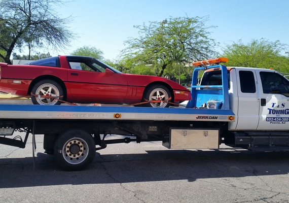 T&S Towing has been providing emergency towing and roadside services for automobiles and trucks in Peoria and the entire Northwest Phoenix Metropolitan area.